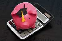 piggy bank and calculator representing Public Universities with Highest Percentage of PLUS Loans by State